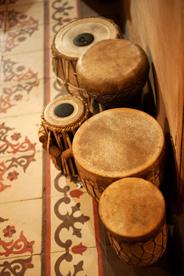 Instruments à percussions indiens et marocains